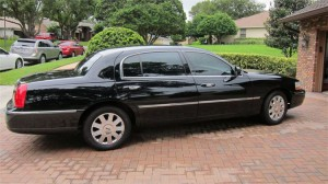 Lincoln Town Car L Series exterior