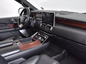 Lincoln Navigator L Reserve front seats